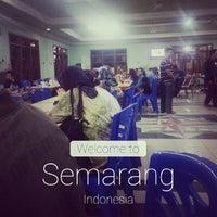 Photo taken at Rumah Makan SAMPURNA by fetra h. on 8/1/2014