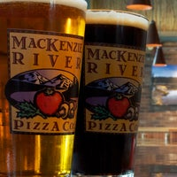 Foto scattata a MacKenzie River Pizza Co. da MackRiverPizza il 12/12/2013