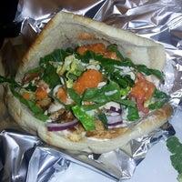 Das Foto wurde bei Omar's Mediterranean Cuisine & Bakery von Mark D. am 1/28/2013 aufgenommen