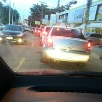 Photo taken at Avenida Luíz Tarquinio by Juliana on 6/18/2013