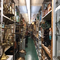Photo taken at Hand Prop Room by Steven on 1/4/2018