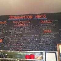 Foto tirada no(a) Binghamton Hots por Charles W. em 4/22/2014