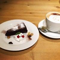 รูปภาพถ่ายที่ All C's Cafe โดย uni m. เมื่อ 3/13/2016