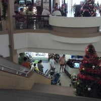 Photo taken at Shopping Icaraí by Leonardo L. on 12/8/2012