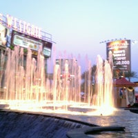 Photo taken at Westgate Entertainment District by Leslie on 5/19/2013