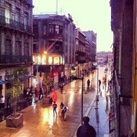 Das Foto wurde bei Corredor Peatonal Madero von Diego H. am 5/21/2013 aufgenommen