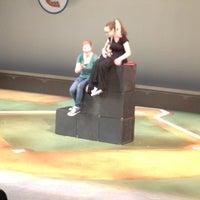 4/23/2013 tarihinde Sam R.ziyaretçi tarafından GALA Hispanic Theater'de çekilen fotoğraf