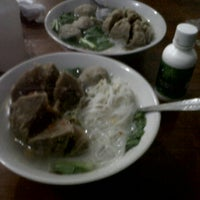 Photo taken at bakso rawit by Rachmad F. on 10/2/2012