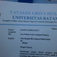 Photo taken at Universitas Batam (UNIBA) by Ellys W. on 10/4/2013