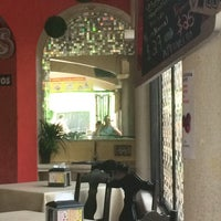 Photo taken at Restaurante Ricardo's (pollos & carnes) by Luis S. on 9/20/2014