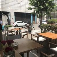 6/20/2017 tarihinde Mahmutziyaretçi tarafından Baca Bakery & Cafe'de çekilen fotoğraf