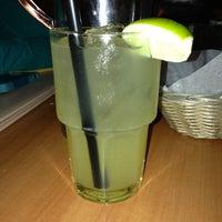 Foto tomada en Fridas Mexican Grill por Jerae K. el 11/19/2012