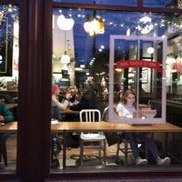 11/21/2017 tarihinde J N.ziyaretçi tarafından Peet's Coffee & Tea'de çekilen fotoğraf