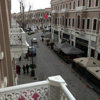 Photo taken at The Winston Brasserie by Uğur on 3/15/2013