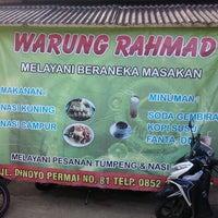 Photo taken at Warung Rachmad by Ailuropoda M. on 3/11/2013