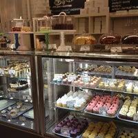 Снимок сделан в Upside Down Cake пользователем Olga 11/9/2012