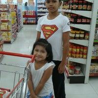 Foto tomada en Robinsons Otis Supermarket por Elsa C. el 6/28/2013