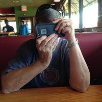 Photo taken at Applebee's Neighborhood Grill & Bar by Bob W. on 8/31/2014