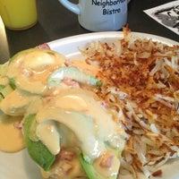 Das Foto wurde bei Cafe Java von Brad M. am 6/28/2013 aufgenommen