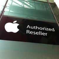 Photo taken at iStore by Oliver R. on 11/22/2012