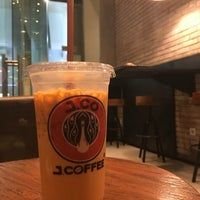 Photo taken at J.Co Donuts & Coffee by Haritso on 7/22/2016