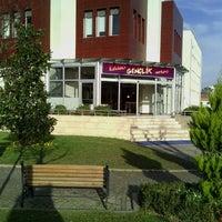 Das Foto wurde bei Üsküdar Gençlik Merkezi von Esra P. am 12/27/2012 aufgenommen