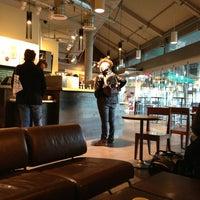 Photo taken at Starbucks by Dries K. on 12/29/2012