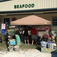 Photo taken at Skinner's Seafood by Johnny G. on 10/11/2014