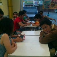 Photo taken at Jollibee, Halang Calamba City by Mhel C. on 3/22/2014