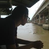 Photo taken at นิวจินดา by Pratch on 8/11/2013