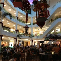 Photo taken at Shopping Leblon by Sonia s. on 11/22/2012