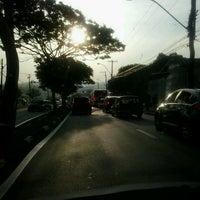 Photo taken at Avenida John Boyd Dunlop by Dandara F. on 11/29/2012