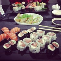 Photo taken at Sushi Tsuru by Monique B. on 8/18/2013