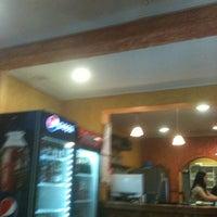 Foto tomada en Cafe Real por Alejandra el 11/5/2012
