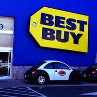 Photo taken at Best Buy by Maile M. on 4/26/2012