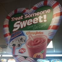Photo taken at Dairy Queen by 🌼Veronica🌼 on 12/21/2012