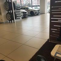 Photo taken at OTOMOL BMW Borusan Otomotiv Yetkili Servisi by Cum on 2/26/2018