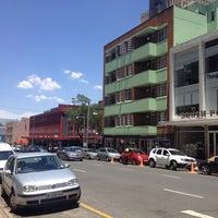 Снимок сделан в Braamfontein пользователем Thapelo C. 11/9/2013