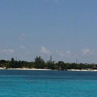 Photo taken at Isla Mujeres by Maye H. on 7/27/2013