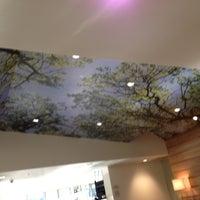 Photo taken at Solaire Restaurant + Bar by Steffen G. on 11/4/2012