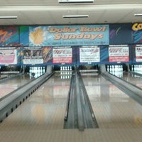 Photo taken at Brunswick Zone Cal Oaks Bowl by Charisse C. on 7/28/2014