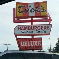 Foto tomada en Dick's Drive-In por Yolanda S. el 6/17/2013