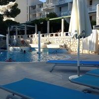 Photo taken at Bluesun Hotel Berulia by Nilly on 7/30/2013