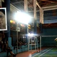Photo taken at Lapangan Badminton Kantor Daerah by Pingkan P. on 9/13/2015