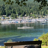 Photo taken at Deep Cove Outdoors by Zakiah on 7/20/2018