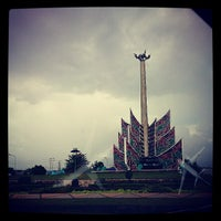 Photo taken at Bundaran Kuala Kapuas by Aldy W. on 6/16/2013