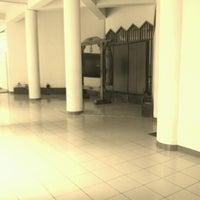 Photo taken at Masjid Al Amin Kemenkeu by Ekek on 11/3/2012