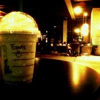 Photo taken at Starbucks by Eavis Lai on 1/29/2013