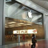 Foto scattata a Apple Centro Sicilia da !Dimitri 🍻 🏛 A. il 9/18/2012