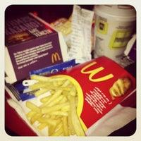 Снимок сделан в McDonald's пользователем Kristina 2/23/2013